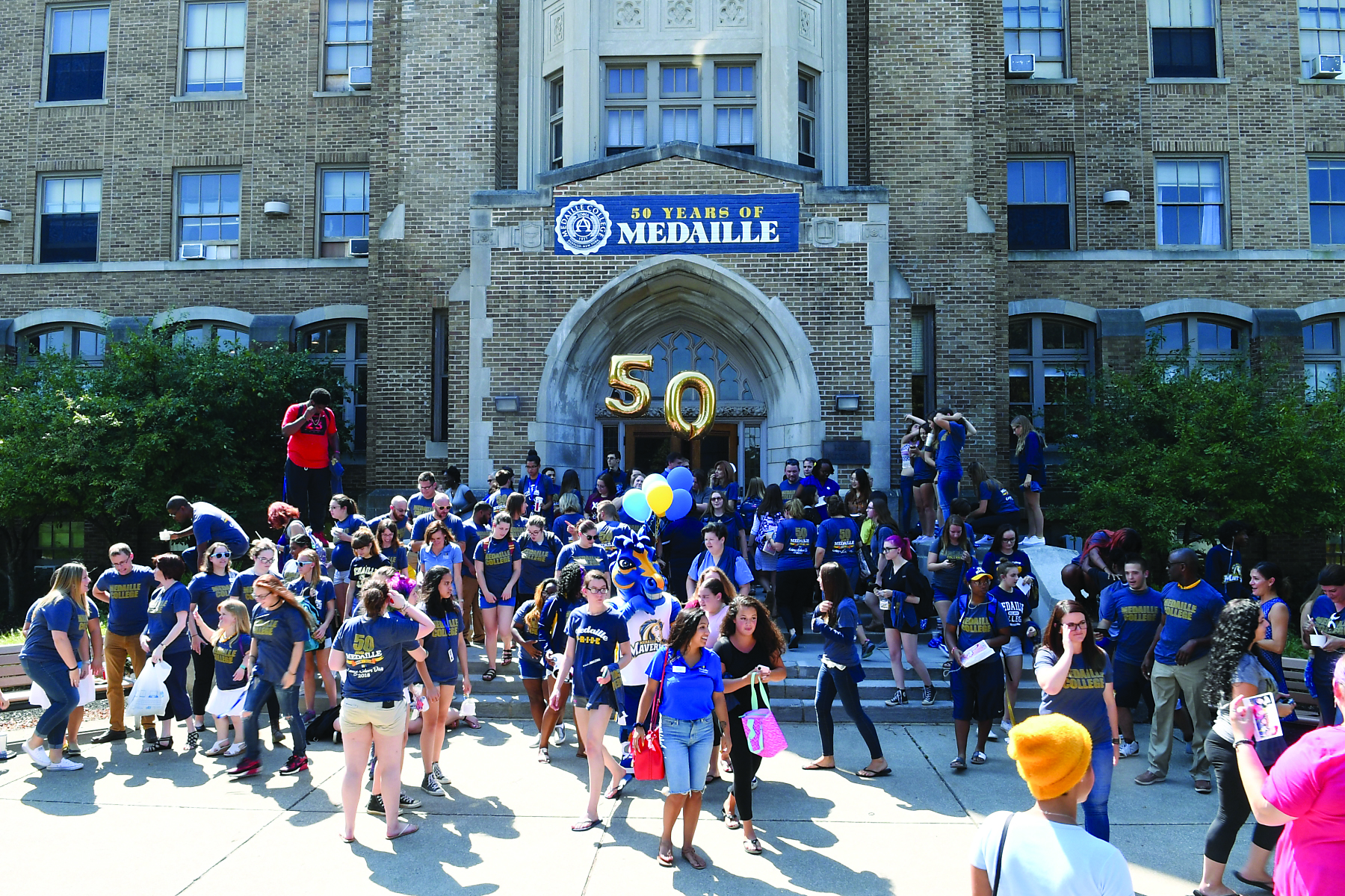 Medaille College Colors Day Hubbub